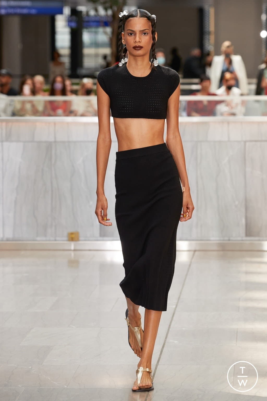Fashion Week New York Spring/Summer 2022 look 10 from the VICTOR GLEMAUD collection womenswear