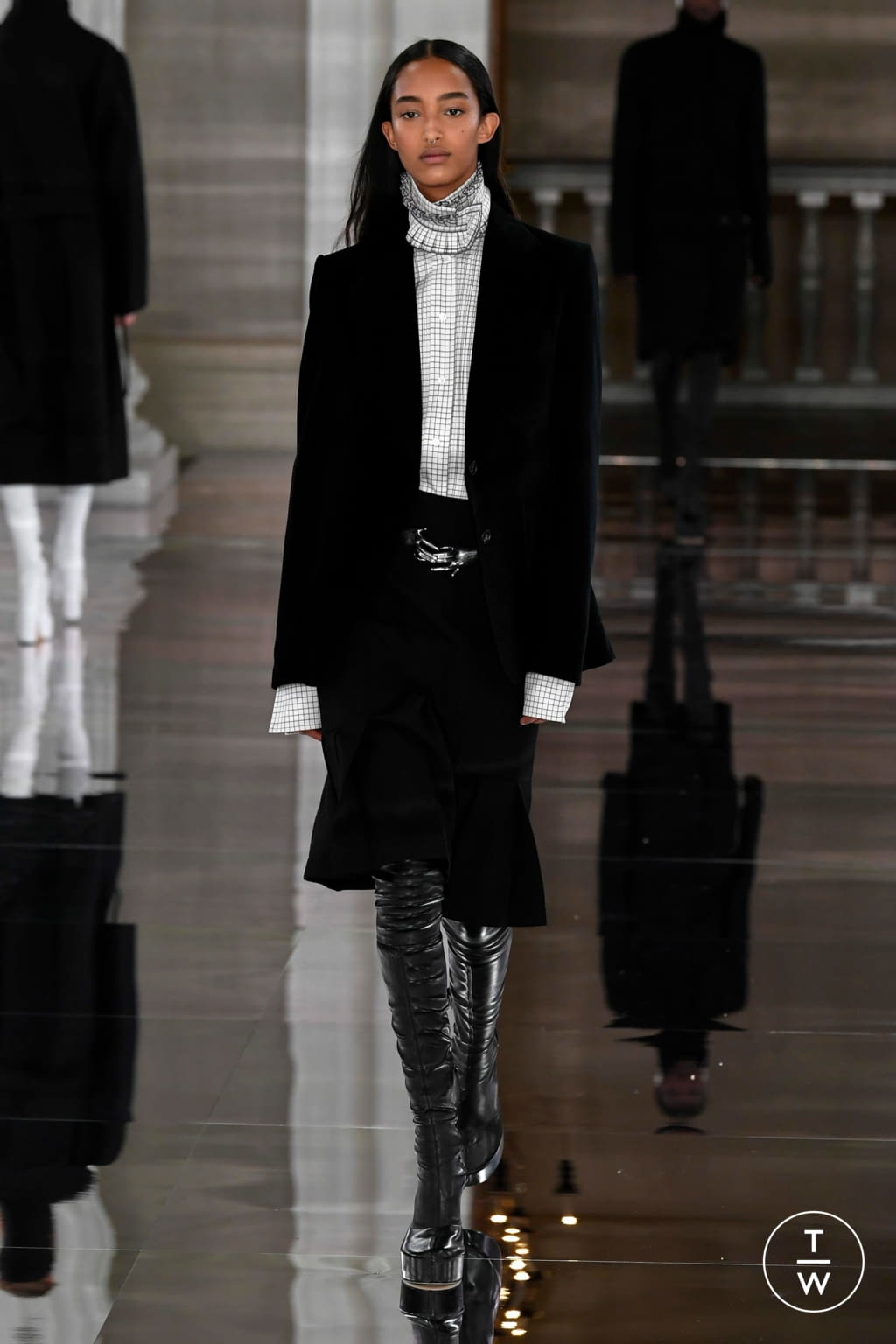 Fashion Week London Fall/Winter 2020 look 7 from the Victoria Beckham collection womenswear