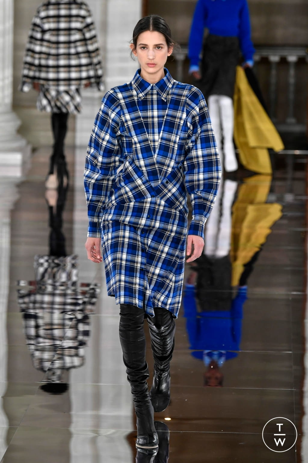 Fashion Week London Fall/Winter 2020 look 13 from the Victoria Beckham collection womenswear