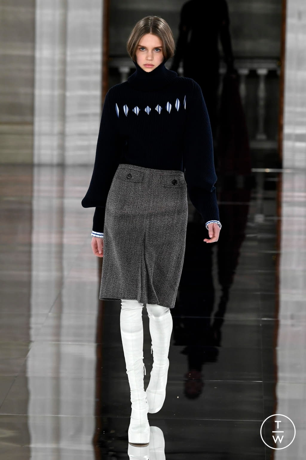 Fashion Week London Fall/Winter 2020 look 19 from the Victoria Beckham collection womenswear