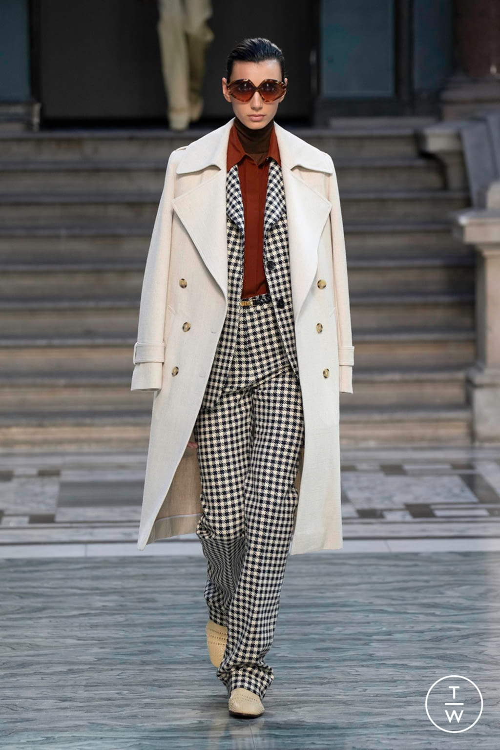 Fashion Week London Spring/Summer 2020 look 1 from the Victoria Beckham collection womenswear
