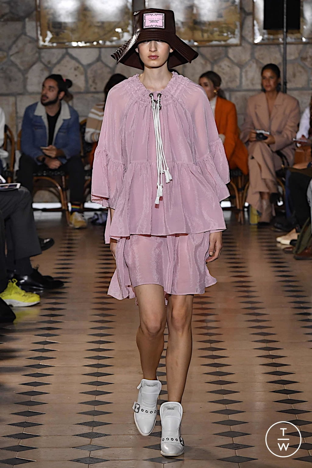 Fashion Week Paris Spring/Summer 2020 look 8 from the Victoria/tomas collection womenswear
