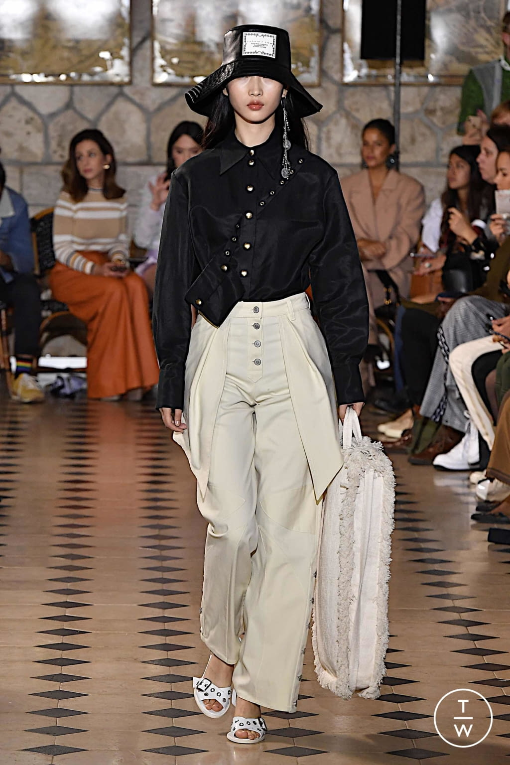 Fashion Week Paris Spring/Summer 2020 look 18 from the Victoria/tomas collection 女装