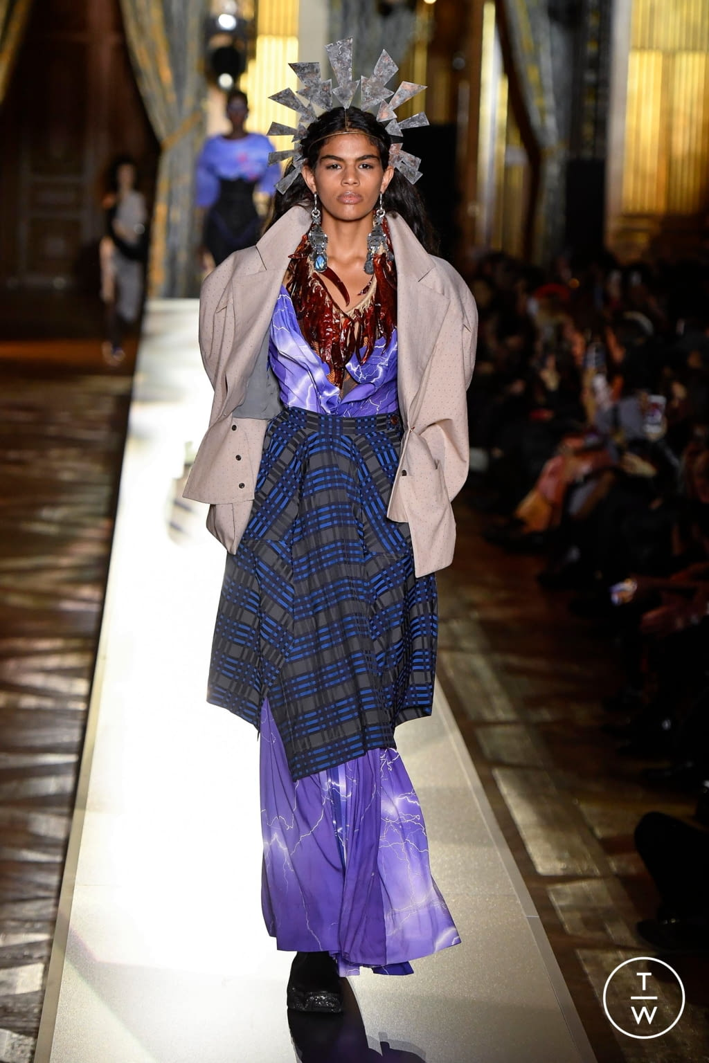 Fashion Week Paris Fall/Winter 2020 look 3 from the Andreas Kronthaler for Vivienne Westwood collection womenswear