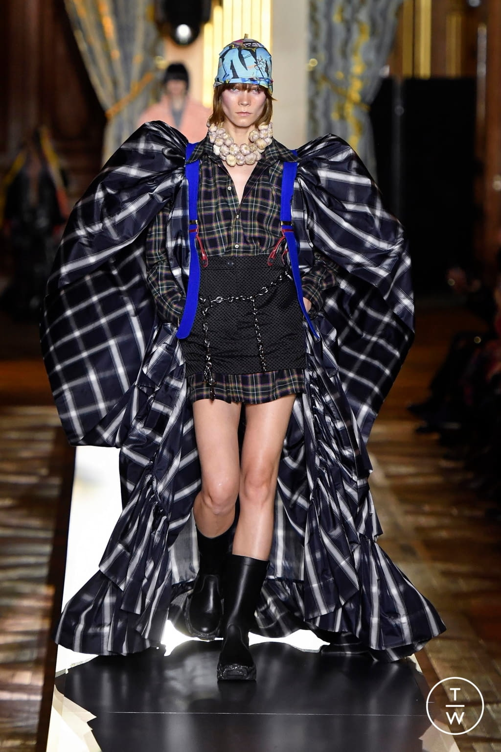 Fashion Week Paris Fall/Winter 2020 look 14 from the Andreas Kronthaler for Vivienne Westwood collection womenswear