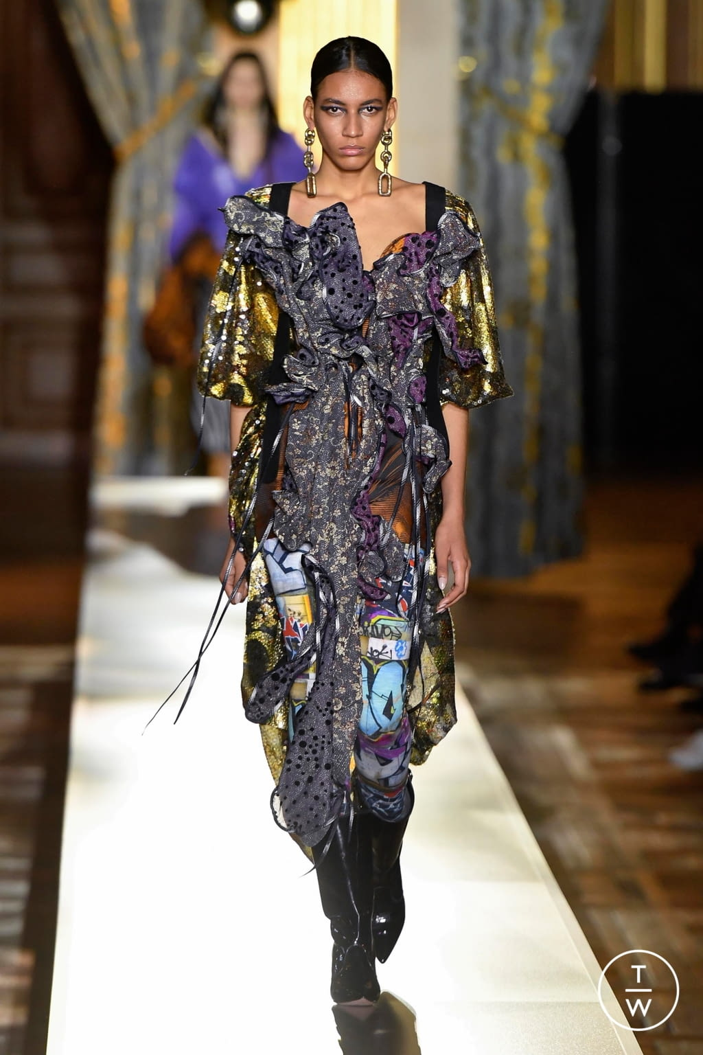 Fashion Week Paris Fall/Winter 2020 look 20 de la collection Andreas Kronthaler for Vivienne Westwood womenswear