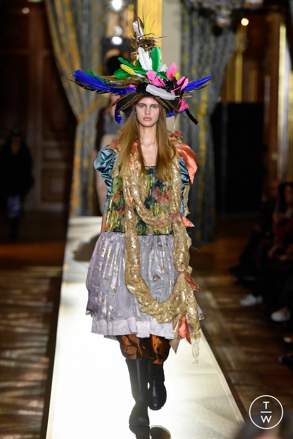 Fashion Week Paris Fall/Winter 2020 look 32 de la collection Andreas Kronthaler for Vivienne Westwood womenswear