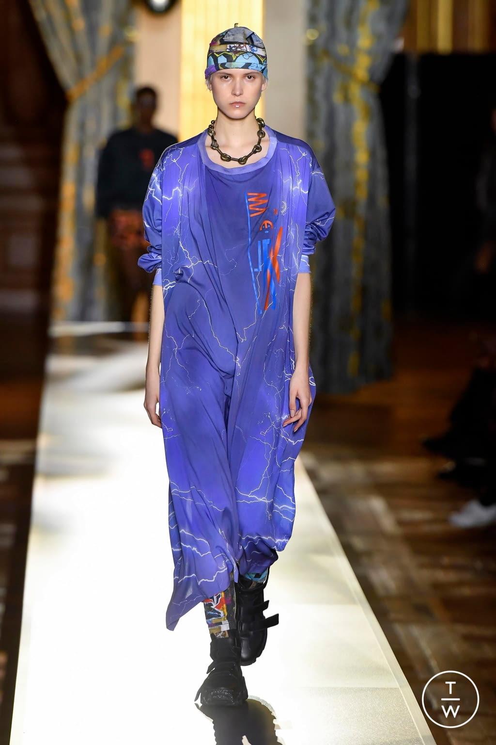 Fashion Week Paris Fall/Winter 2020 look 36 de la collection Andreas Kronthaler for Vivienne Westwood womenswear