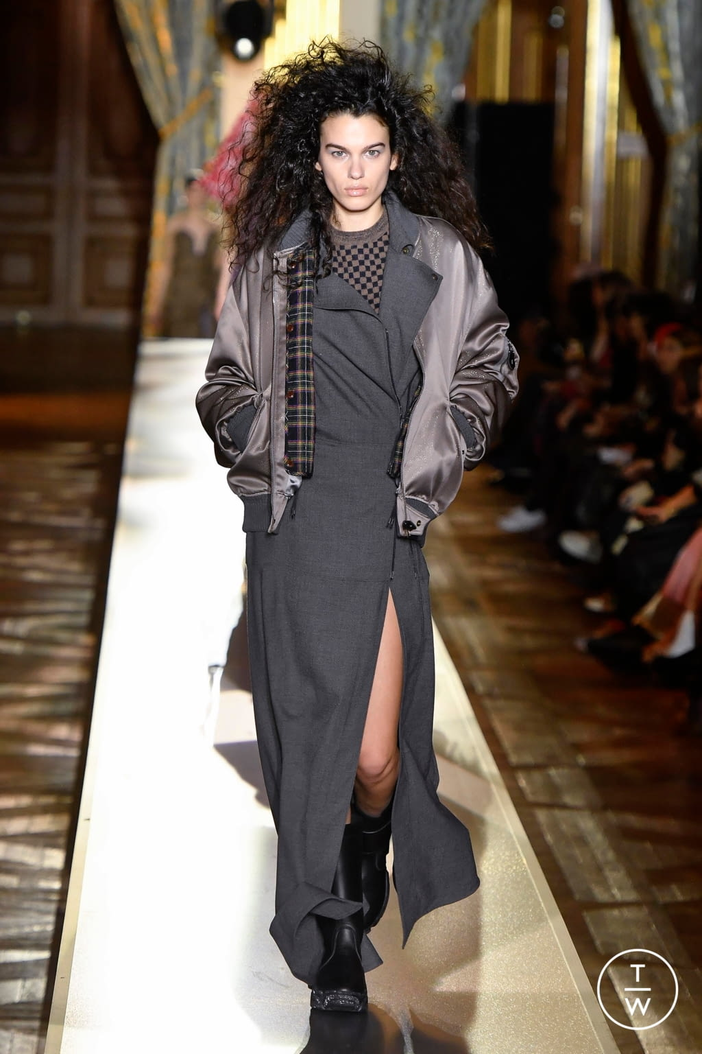 Fashion Week Paris Fall/Winter 2020 look 38 de la collection Andreas Kronthaler for Vivienne Westwood womenswear