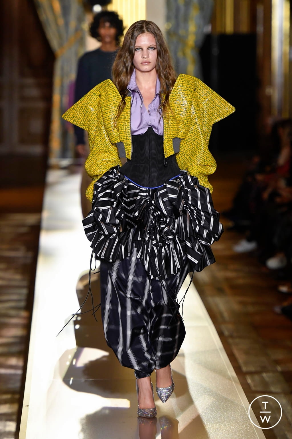 Fashion Week Paris Fall/Winter 2020 look 42 de la collection Andreas Kronthaler for Vivienne Westwood womenswear