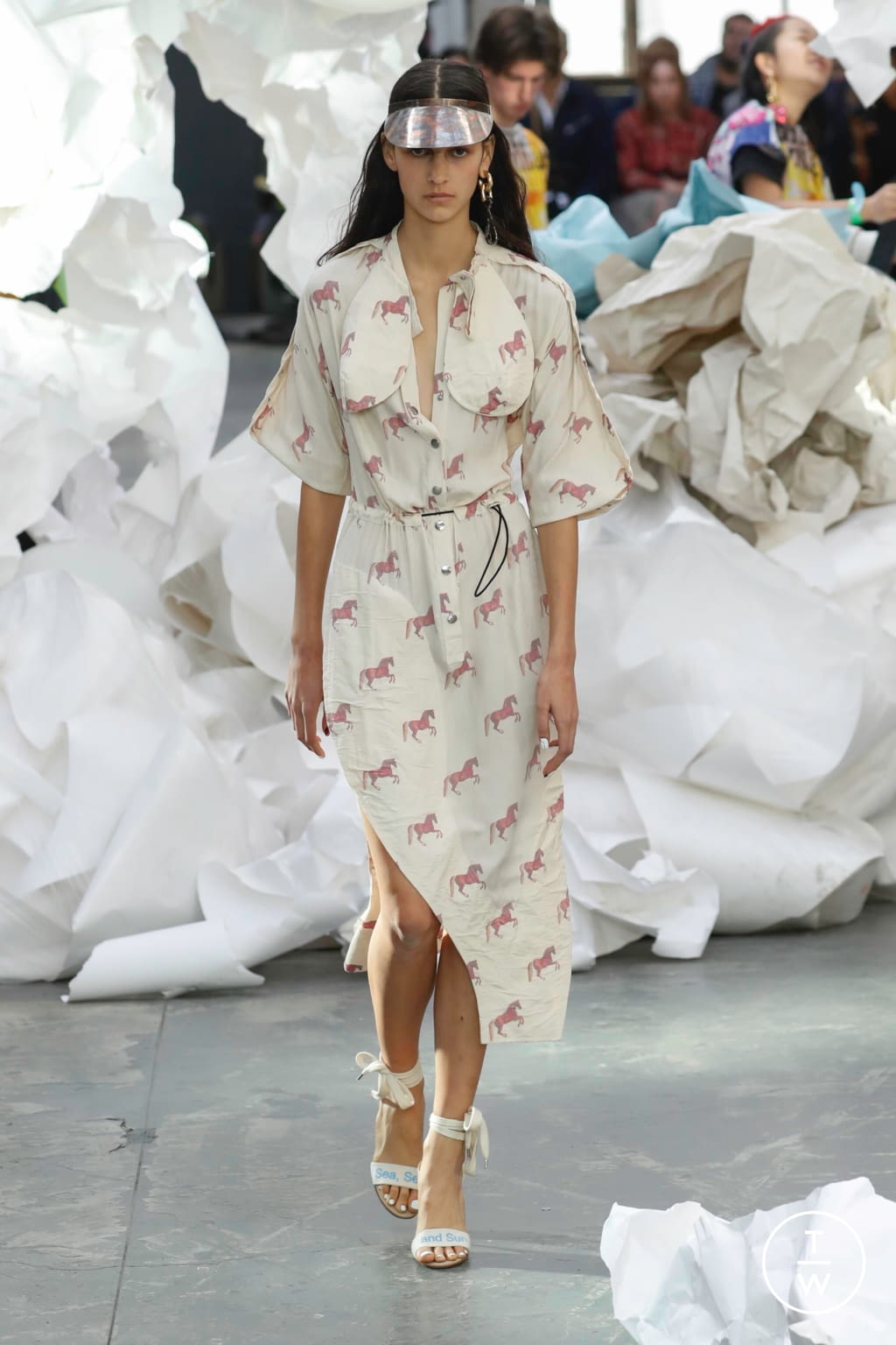 Fashion Week Paris Spring/Summer 2019 look 23 from the Andreas Kronthaler for Vivienne Westwood collection 女装