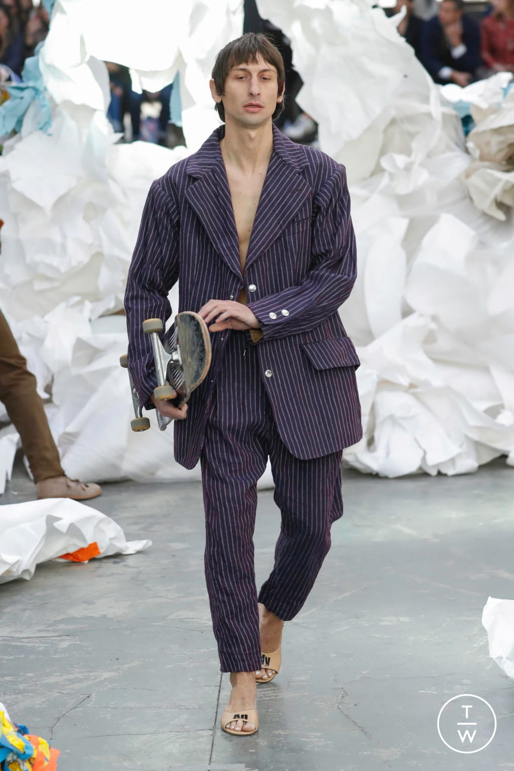 Fashion Week Paris Spring/Summer 2019 look 43 from the Andreas Kronthaler for Vivienne Westwood collection womenswear