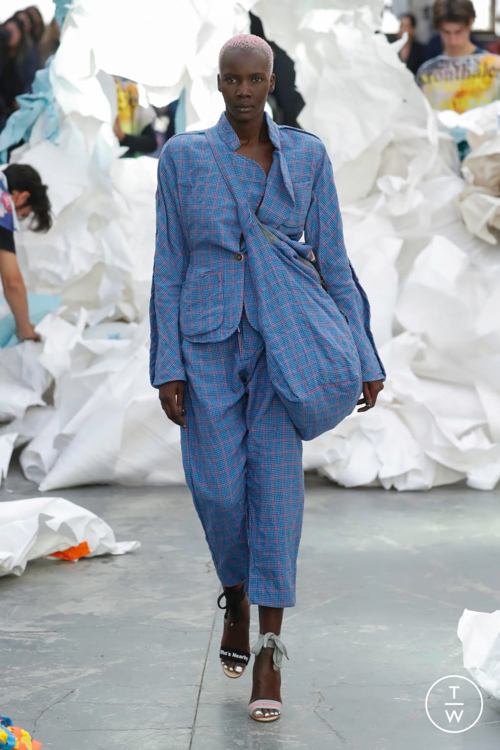 Fashion Week Paris Spring/Summer 2019 look 44 from the Andreas Kronthaler for Vivienne Westwood collection womenswear