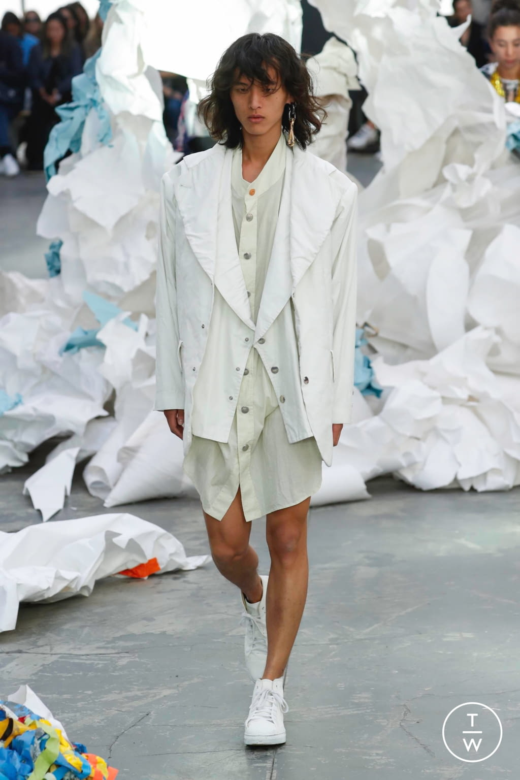 Fashion Week Paris Spring/Summer 2019 look 52 from the Andreas Kronthaler for Vivienne Westwood collection 女装