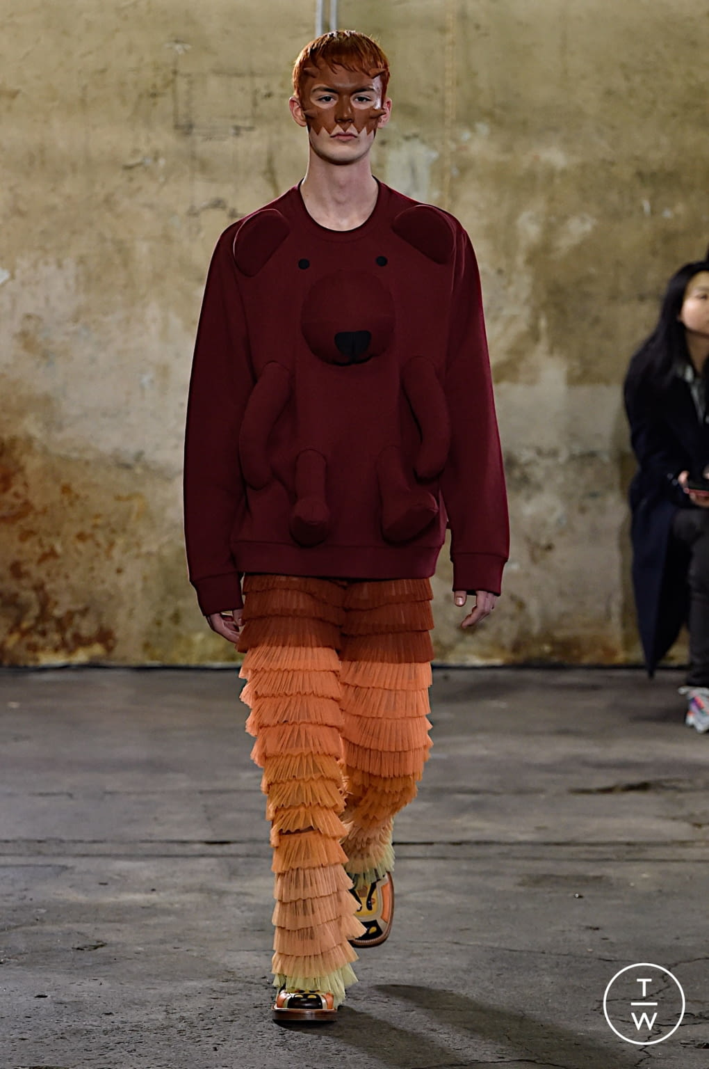 Fashion Week Paris Fall/Winter 2020 look 26 from the Walter Van Beirendonck collection menswear