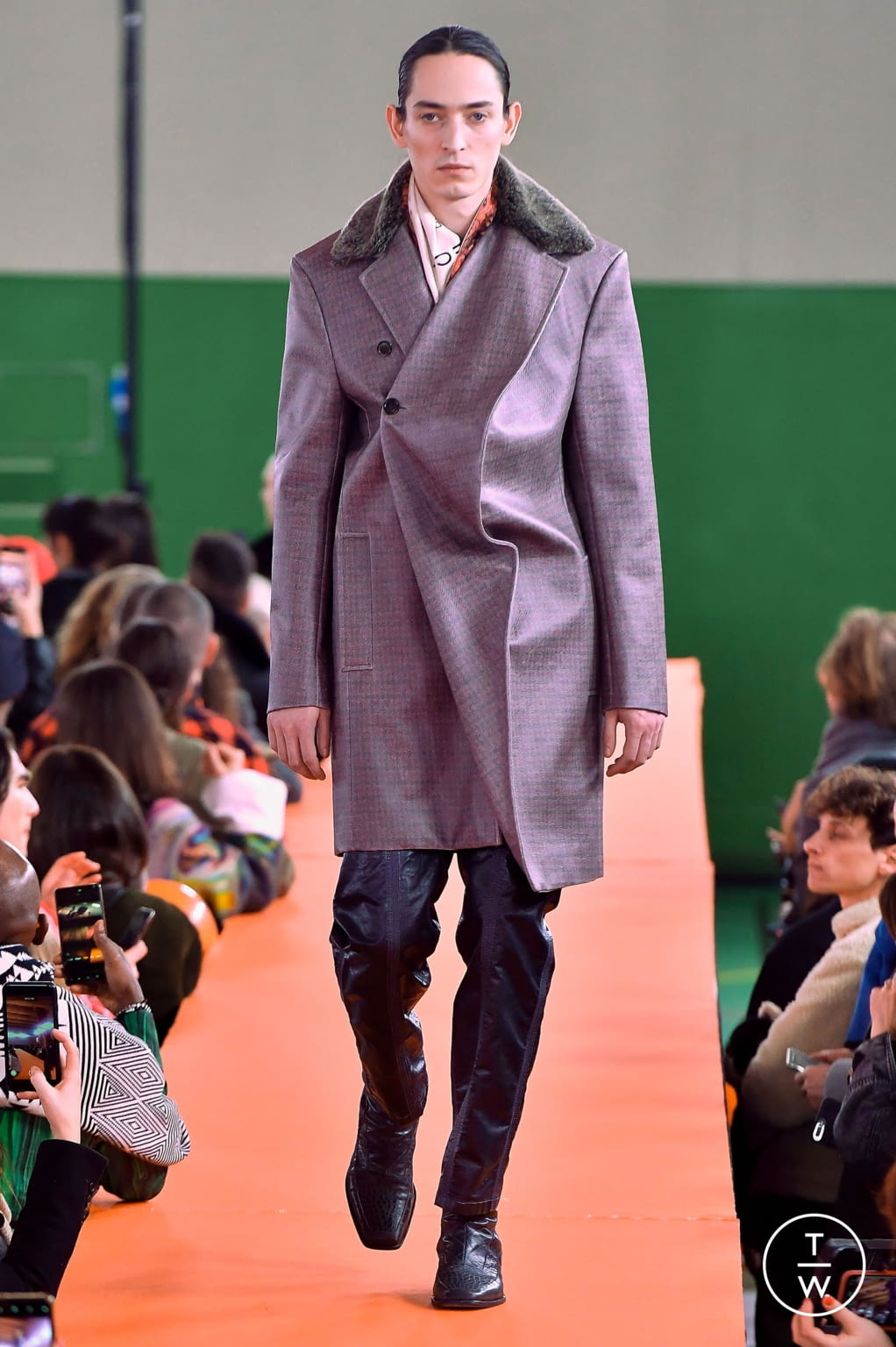 Fashion Week Paris Fall/Winter 2020 look 16 from the Y/PROJECT collection menswear