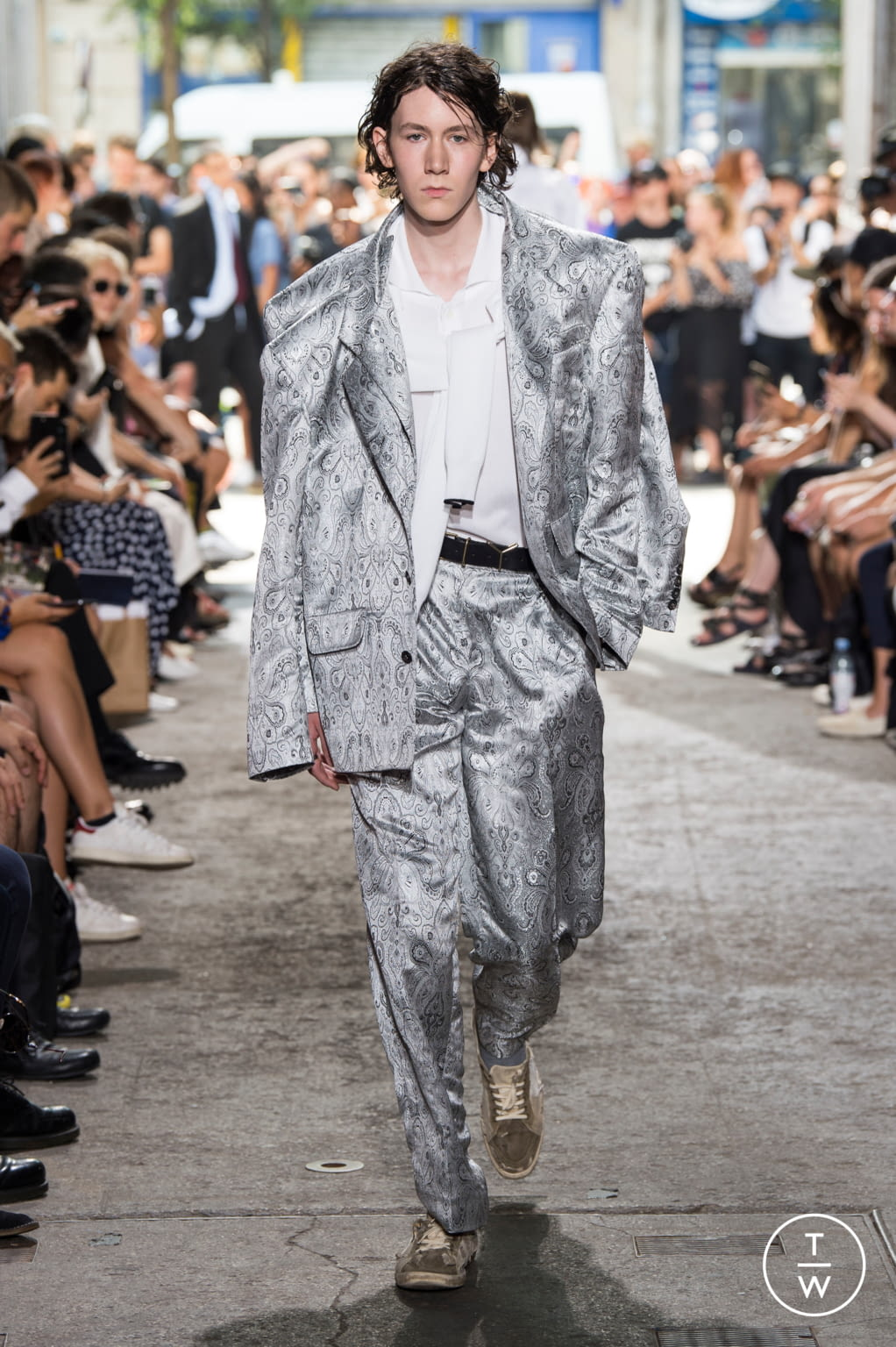Fashion Week Paris Spring/Summer 2018 look 30 from the Y/PROJECT collection menswear