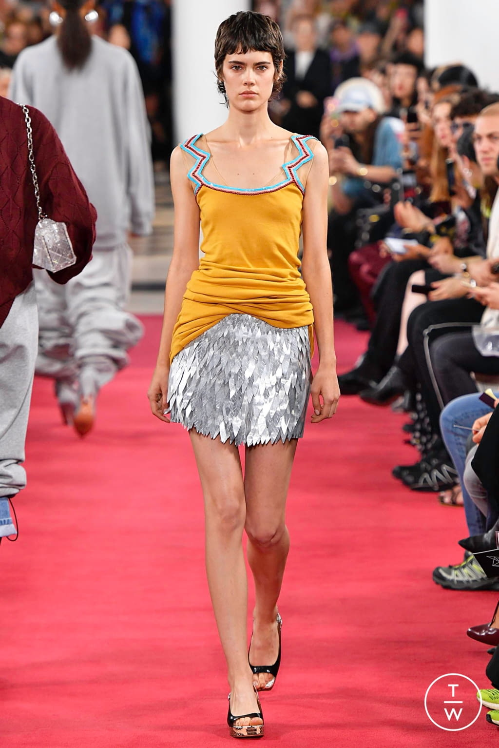 Fashion Week Paris Spring/Summer 2019 look 7 from the Y/PROJECT collection womenswear