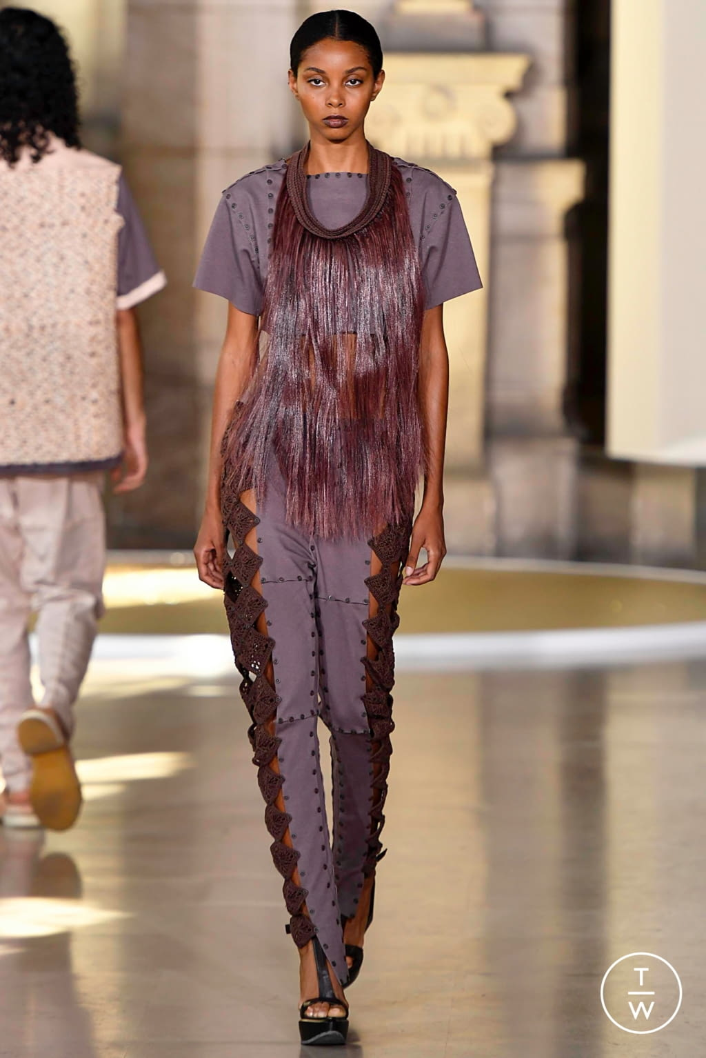 Fashion Week Paris Fall/Winter 2019 look 9 from the Yuima Nakazato collection couture