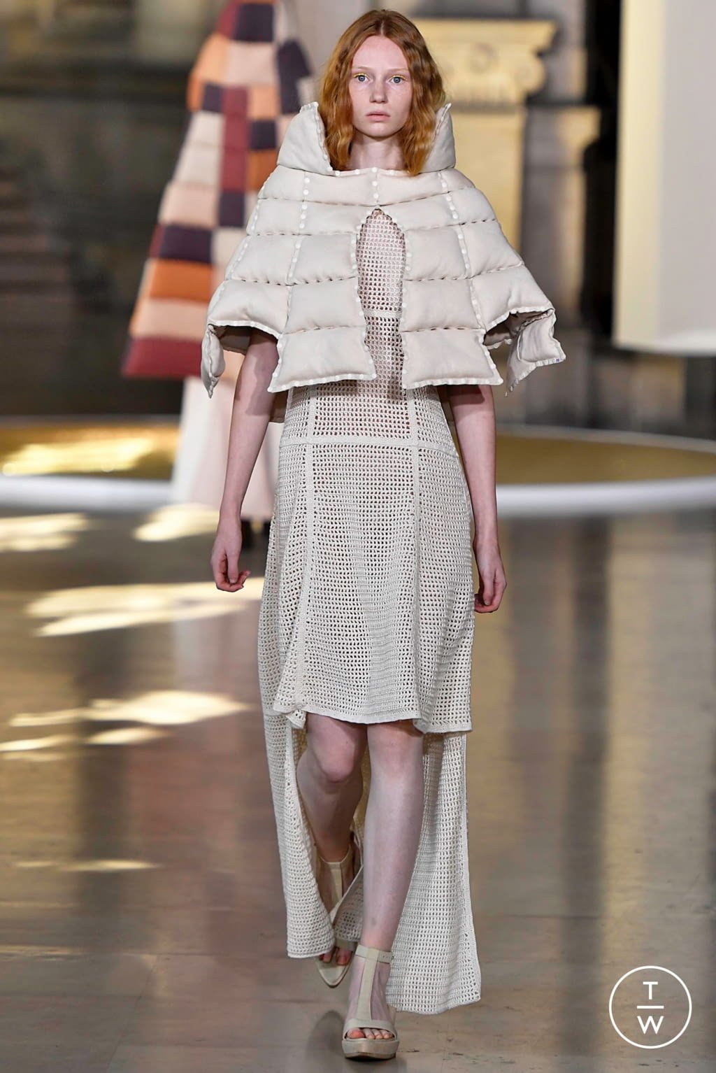 Fashion Week Paris Fall/Winter 2019 look 15 from the Yuima Nakazato collection couture