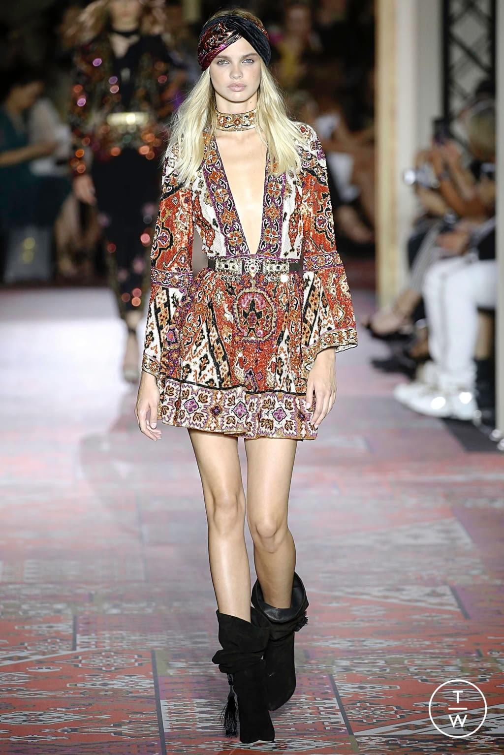 Fashion Week Paris Fall/Winter 2019 look 1 de la collection Zuhair Murad couture