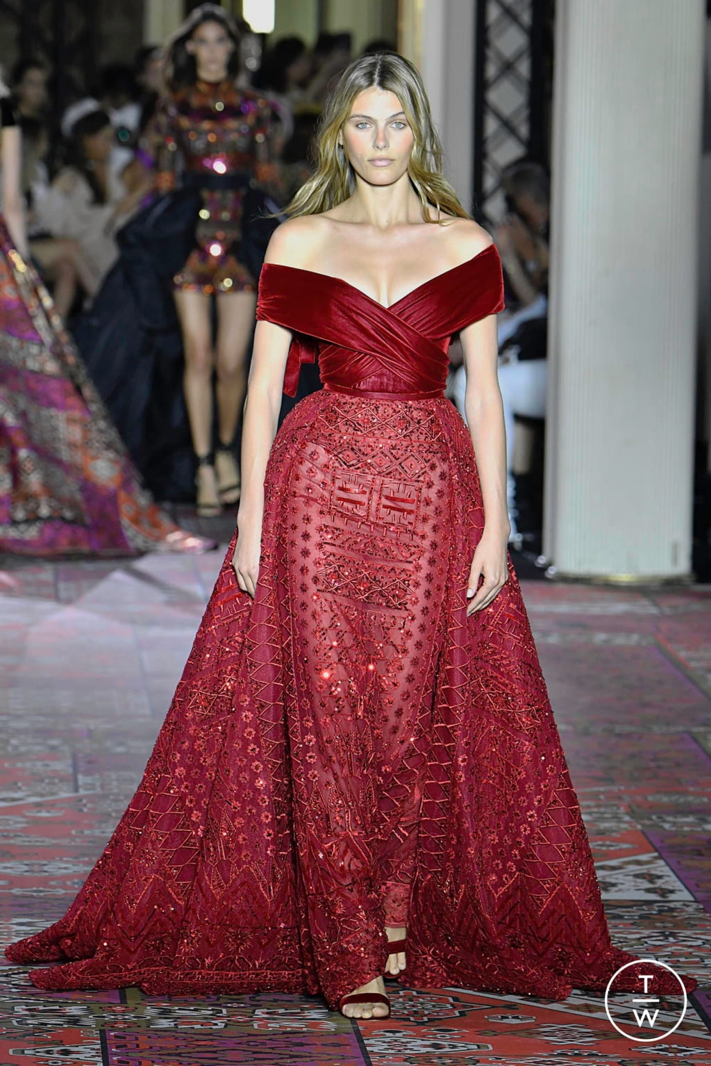 Fashion Week Paris Fall/Winter 2019 look 7 from the Zuhair Murad collection couture
