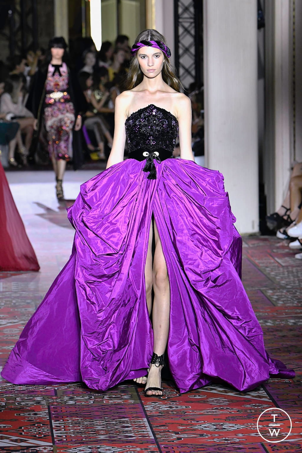 Fashion Week Paris Fall/Winter 2019 look 20 from the Zuhair Murad collection couture