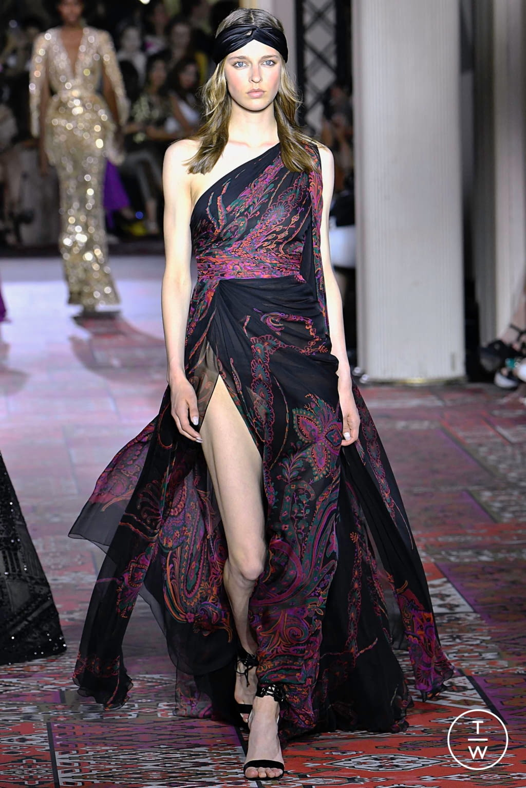 Fashion Week Paris Fall/Winter 2019 look 26 de la collection Zuhair Murad couture