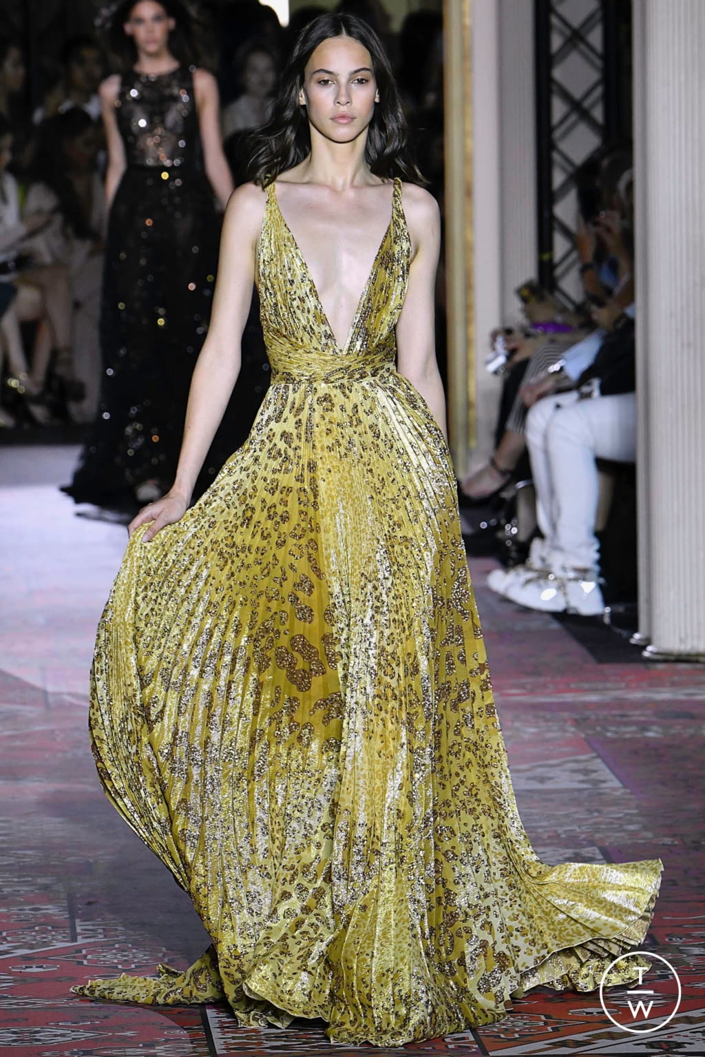Fashion Week Paris Fall/Winter 2019 look 29 from the Zuhair Murad collection couture