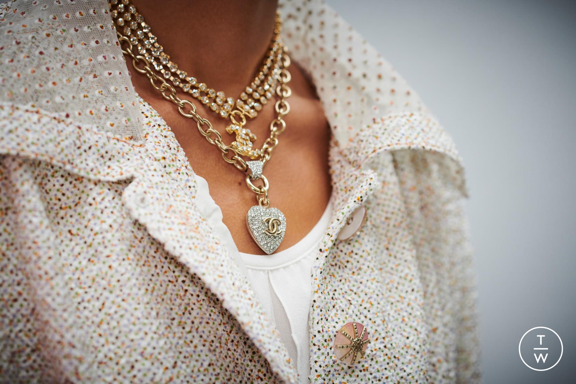 10 Antico Oro Bronzo sbuffo Cuore Charms Ciondolo Perline